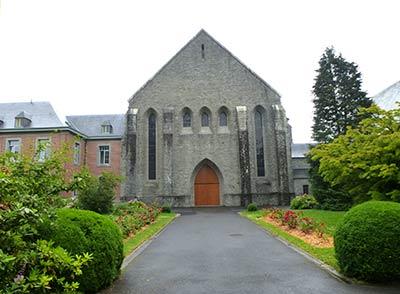 Der Haupteingang ins Kloster Notre Dame de Scourmont.