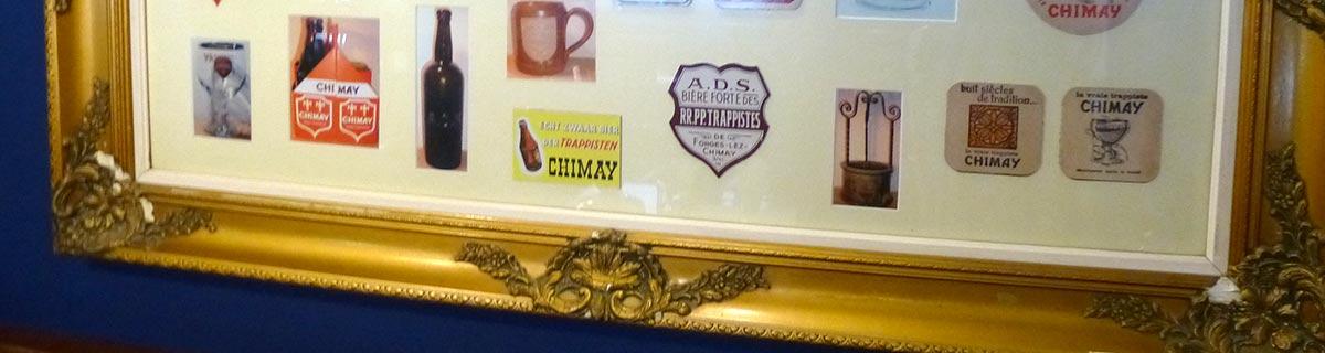 Chimay-Bierdeckel in einen goldenen Rahmen eingefasst